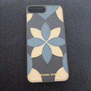 Michael kors iPhone 7 Plus leather case